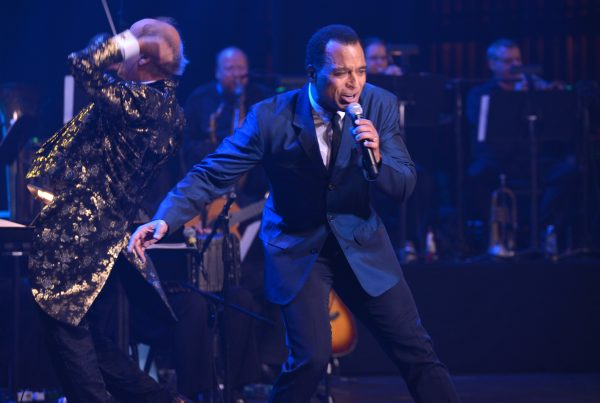 Singer-songwriter Jon Secada performs at 2016 LA MUSA AWARDS.