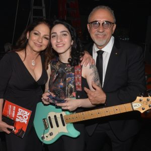 Gloria, Emily & Emilio Estefan (WorldArts - Discovery of the Year Award)